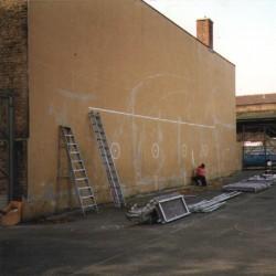 andie-scott-hackney mural before